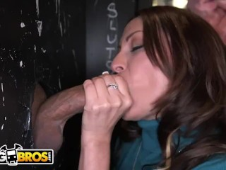 BANGBROS - Latin MILF Vanessa Luna Loves Sucking Dicks, Visits Glory Hole