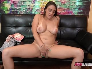 Natural Busty StepMom Melanie Hicks Gives JOI And Masturbates