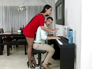 Sexy mature piano teacher giving her student more ways to like piano