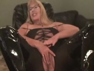 Wanton four eyed cougar with big tits is wholeheartedly crazy for hot solo play