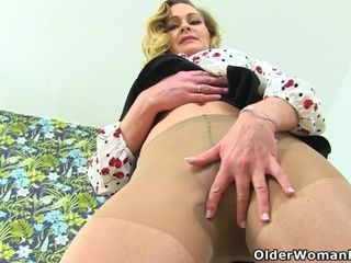 British blonde milf Lucy Gresty enjoys her nymphomaniac mood