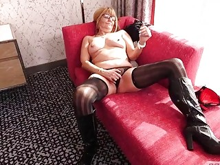 Amateur Stripper Gilf want some dick