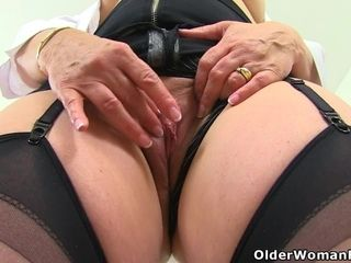 English cougar Skyler fuck sticks her clean-shaved fanny