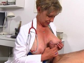 Dr. Anthonia loses self-control at the glance of a gigantic