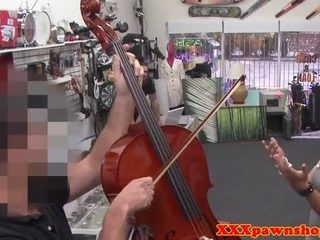Classy pawnshop wife dicksucking for money