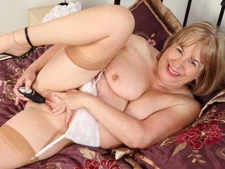 Grandma Trisha takes care of her old fanny
