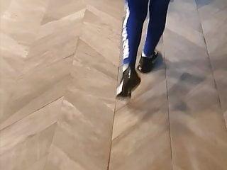 Milf in blue yoga pants