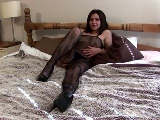 I love a sexy mature woman with a hungry pussy and this slut loves her sex toy