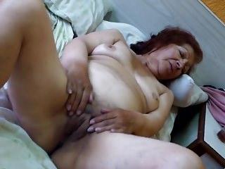 Granny Olga misusage - Abuela Olga masturbacion