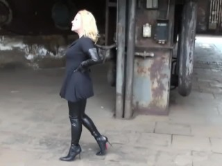 Doll in groin High shoes