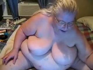 This super fat granny shaves her pussy for me on cam