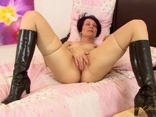 Penny Brooks in Masturbation Movie - AuntJudys