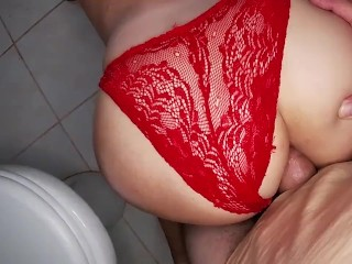 I touched the ass of a milf and wanted to fuck her in anal