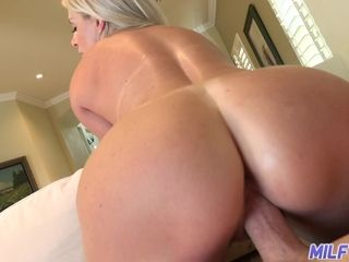 Sexy big bottomed amateur blonde MILFie housewife is fond of riding cock