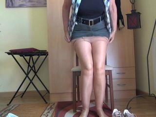 Horny Nylons & A Mini Skirt - TacAmateurs