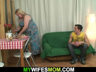 Highly elderly mommy inlaw sates an youthfull boy