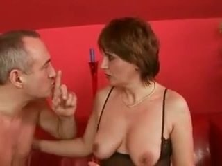 Mature get fisted toyed and get her pussy pumped