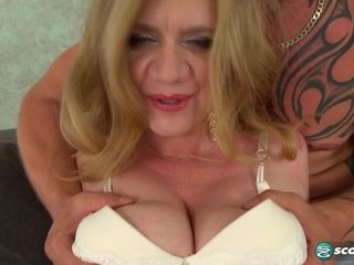 Busty Cilla rubs one out - 40SomethingMag