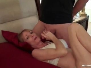 Ripsnorting GILF sexual connection happenstance circumstances