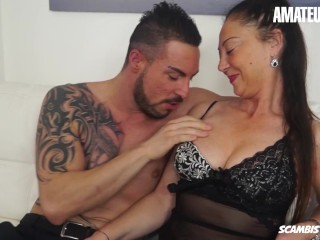 Scambisti Maturi - Big Boobs Mature Slut Drives Her Young Man Crazy