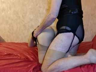 I masturbate by pumping my pussy and ass and using 3 toys until I have a squirting orgasm