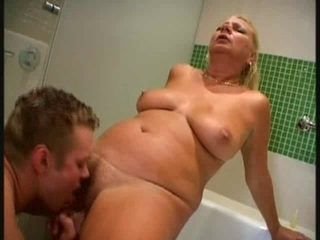 Blond Aged - Bath Experience with juvenile
