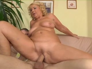 Cougar Enjoys The Plumbers Ball Schlong