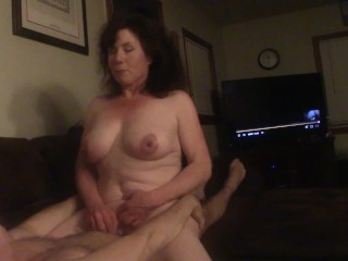 BIG TITTED NATURAL MILF WIFE SLUTTY RIDES HUBBY ORGASMS FOR 5 MINUTES EYES ROLLING