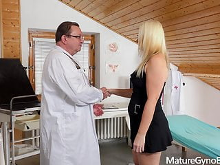 Blonde mature woman Miya gets her old pussy examined