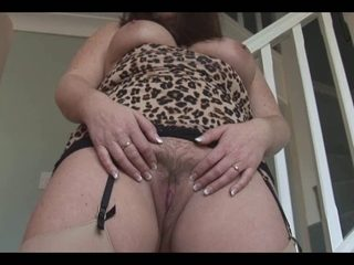 Suzan showing off her hot mature body and hairy cunt