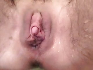 Humid bean wooly vulva pissing