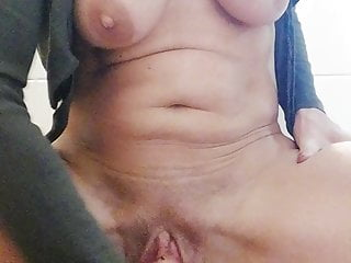 Homealone handmade selffucksession with squirting part 1