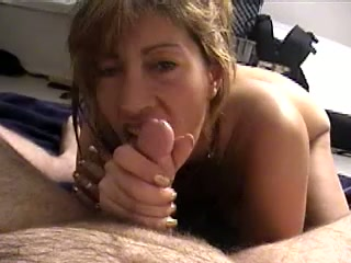 Just plain housewife seeks for wad and gives a truly great oral pleasure