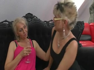 Old lesbos with limp bodies take up with the tongue every other