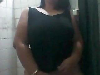 Nelly Venezolana Hot se masturba para mi