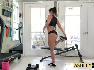 Sport lady teaching and climax Ashley Sinclair
