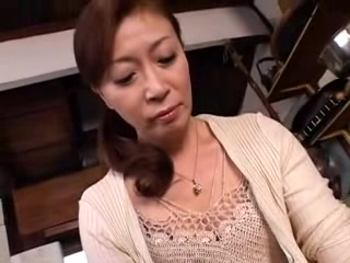 Hot Japanese MILF gets a dick deep in her cunt
