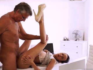 Mom and two girls Finally she's got her boss dick