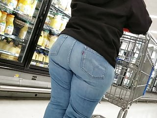 Fat ass latina in jeans