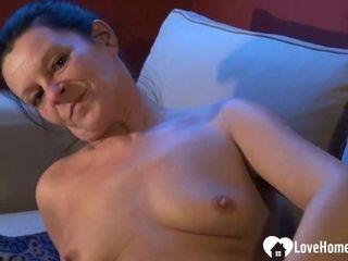 mature babe gets naked and masturbates sensually|6::Amateur,16::Mature,38::HD