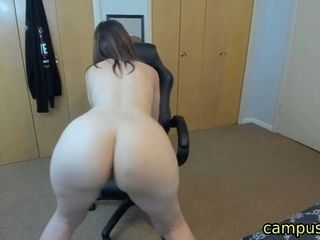Mischievous step-mom dirty dancing and stretching donk on cam