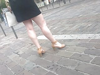 Marvelous gams and nasty high-heeled shoes