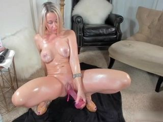 American MILF Oiled Tits and Pussy
