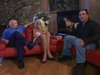 Swingers sways With wonderful blond cougar
