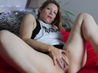 Sexy MILF Masturbates with Fingers and Toys - Tasting Herself