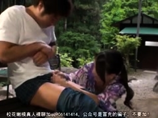Super-hot outdoor deep throat and hand job with buxom chinese