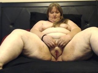 BBW spreads for the camera