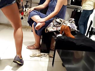Hot matured feets blue soles trotters push up shopping