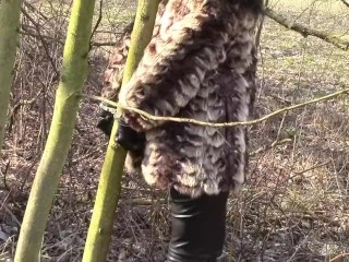 Outdoors manacled in wool cover