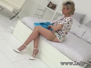 Mature Lady Sonia is excited for her threesome